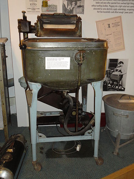 Museum exhibit in Amberley Museum. Hotpoint Maytag 'Gyrofoam' washing machine, circa 1927 OurHoliday 031.JPG