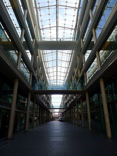 Fichier:P1040430 Paris Ier rue et place du Marché-Saint-Honoré rwk.JPG