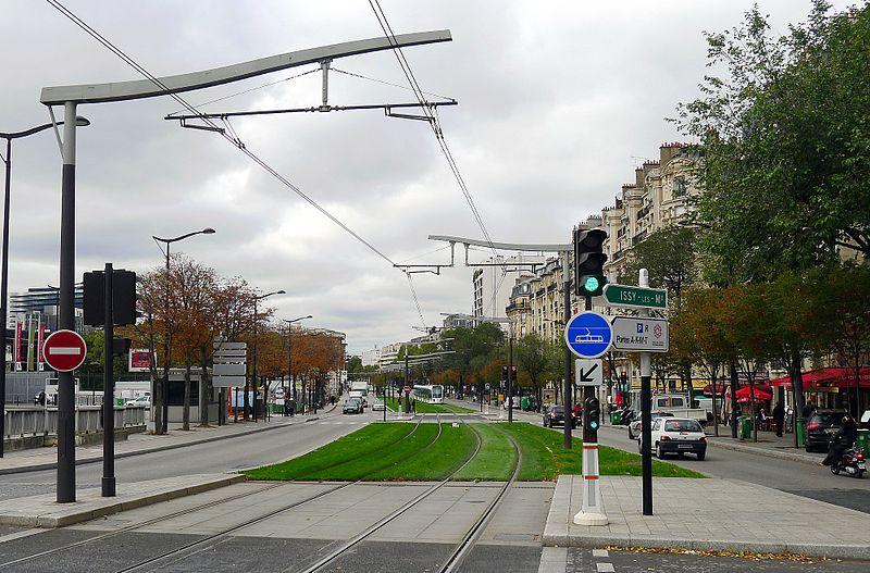 Fichier:P1050985 Paris XV boulevard Victor ligne T3 rwk.JPG