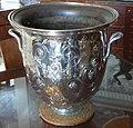 P1080297Andron,rafraîchissoir,reproduction en galvanoplastie d'un vase du trèsor d'Hildesheim.jpg