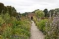 Packwood House garden 2 (4764834160).jpg