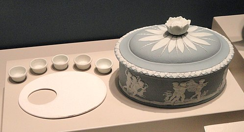 Paint Box, 1785-1790, Wedgwood Pottery, Burslem, solid blue jasper on white relief - Art Institute of Chicago - DSC09829.JPG