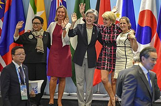 Chrystia Freeland - Freeland with Retno Marsudi, Federica Mogherini, Kang Kyung-wha, and Julie Bishop at the ASEAN Regional Forum Retreat in Singapore on August 4, 2018.