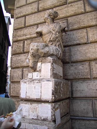Talking statues of Rome - The statue Pasquino, the first talking statue of Rome