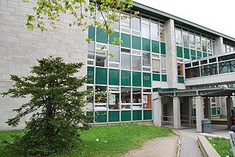 Cégep Garneau - Image: Pavillon du Collège François Xavier Garneau 01