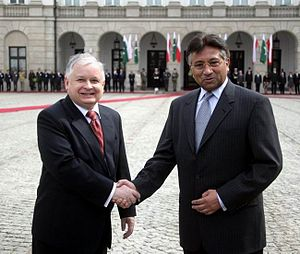 Pakistan–Poland relations - President of Pakistan Pervez Musharraf with President of Poland Lech Kaczyński during his state visit to Poland in 2007