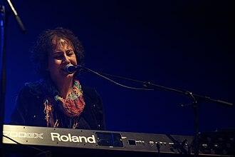Jennifer Maidman - Image: Photo Festival de Cornouaille 2013 Murray Head en concert le 28 juillet 040