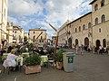 Piazza Comune (looking east) 10-16 063.jpg
