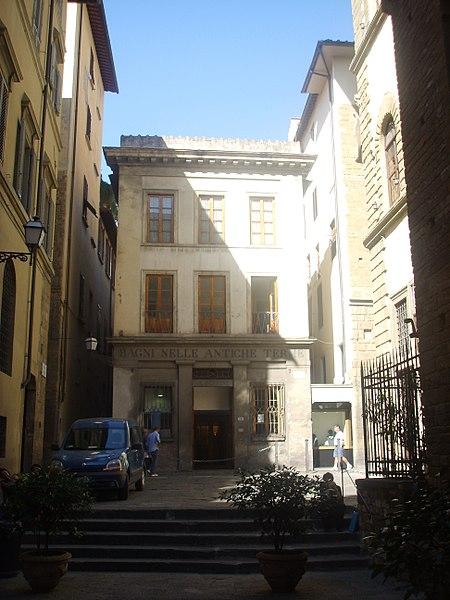 File:Piazza del limbo, terme.JPG