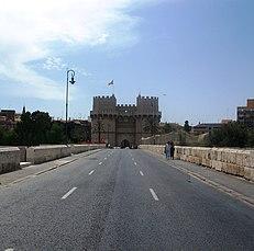 Pont dels Serrans, ciutat de València, Set. 2008.JPG