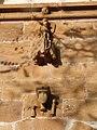 Porche de la chapelle des Infournats (détail).jpg