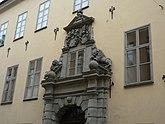 Fil:Portal on Arvfurstens palats on Fredsgatan in Stockholm, Sweden.jpg