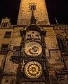 Prager Rathausuhr bei Nacht.jpg