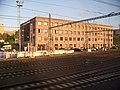 Praha hlavní nádraží, budova u Seifertovy.jpg
