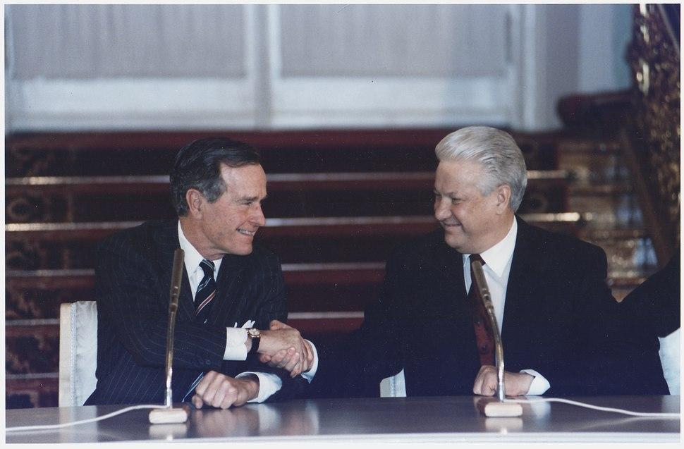 President Bush and Russian President Boris Yeltsin sign the Start II Treaty at a Ceremony in Vladimir Hall, The... - NARA - 186462
