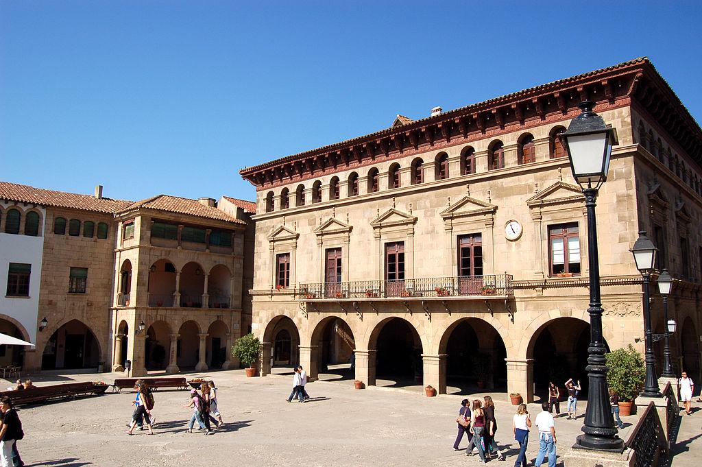 Pueblo Espanyol à Barcelone - Photo de bjaglin