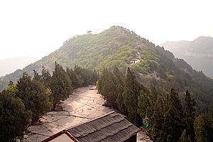 Thousand Buddha Mountain - View along the ridge of the hill from the western side