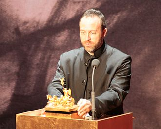 Jimmy Wales accepts the 2008 Quadriga A Mission of Enlightenment award on behalf of Wikipedia Quadriga-verleihung-rr-02.jpg