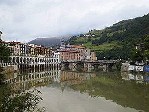 Battle of Tolosa (1813) - Tolosa lies in the deep valley of the Oria River.