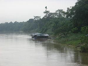 Temerloh - Raft house on Sungei Pahang near Temerloh town.