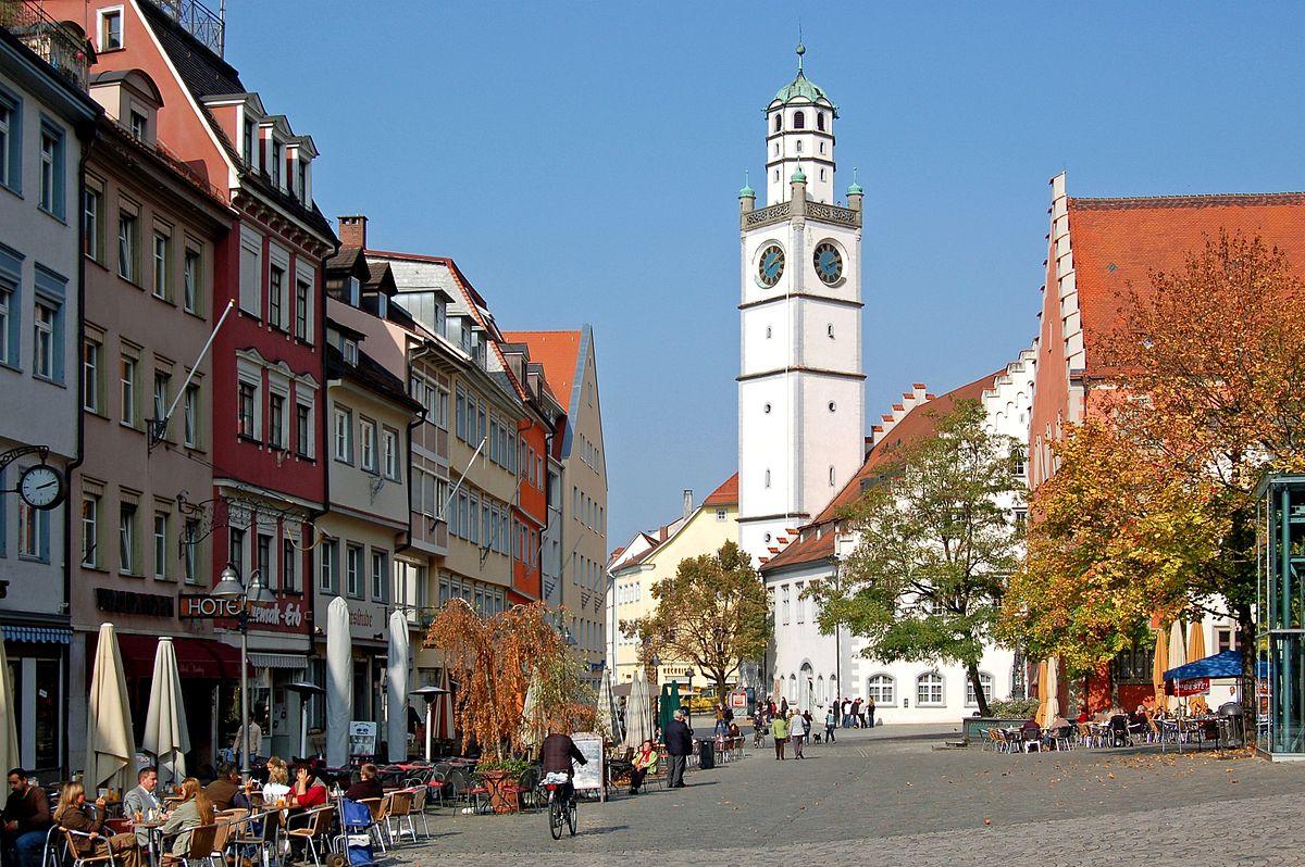 Ravensburg Blaserturm mit Waaghaus und Rathaus (10344069703).jpg