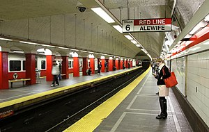 Park Street (MBTA station) - Northbound (right) and center platforms for the Red Line