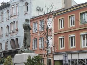 Statue de Michel Rondet à La Ricamarie.