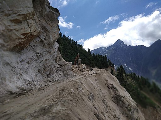 Road construction in the mountains of Kashmir