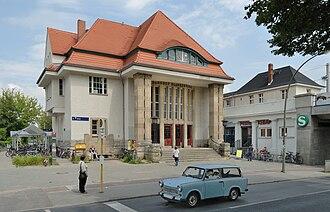 Blankenburg (Berlin) - Image: S Bahnhof Berlin Blankenburg (2009)
