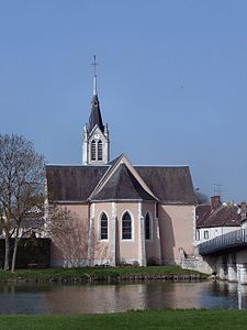 Saint-Denis-les-Ponts - Église Saint-Denis.jpg
