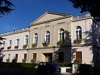 Saint-Nom-la-Bretèche Mairie.JPG