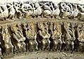 Saintes Abbaye aux Dames - Portal Archivolten 4a Könige.jpg