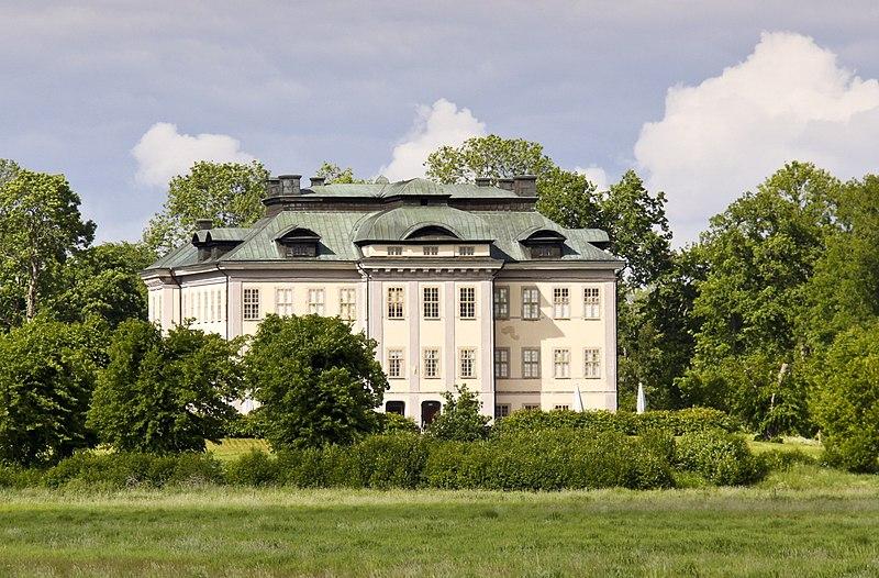 Arkiv: Salsta slott i landskapet.jpg