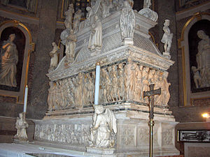 Arca di San Domenico - Front side of the sarcophagus.