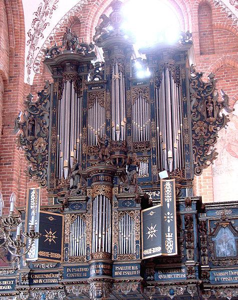 File:Sankt Mariae Helsingoer- Orglet.jpg