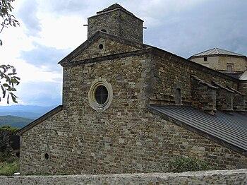 Fachada del monasterio de San Victorián.