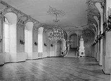 Schloss Karlsruhe Erdgeschoss - Turmfluegel Gartensaal.jpg