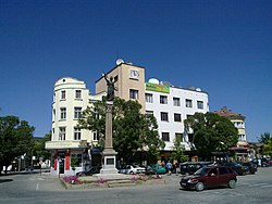 The central square of Sevlievo with Arnoldo Zocchi's Statue of Liberty.