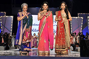 Shaina NC - Waheeda Rehman, Shaina NC and Juhi Chawla in Shaina NC's fashion show to raise funds for cancer patients