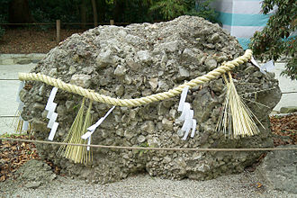 Kamo Shrine - Sazare-Ishi (conglomerate rock) alludes to pebbles which are said to grow into boulders as described in the lyrics of Kimi ga Yo.
