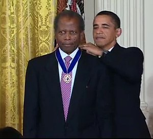 Sidney Poitier - Poitier receives the Presidential Medal of Freedom from U.S. President Barack Obama in 2009.