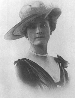 Sidonie Nádherná cca 1917.jpg
