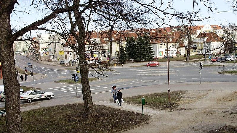 File:Skrzyżowanie ulicy 12 lutego oraz Hetmańskiej, Grota-Roweckiego i Armii Krajowej - panoramio.jpg