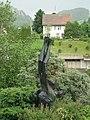 Skulptur, Ikarus, 1966–1980, von Jakob Probst (1880–1966), Gemeindezentrum, Reigoldswil.jpg