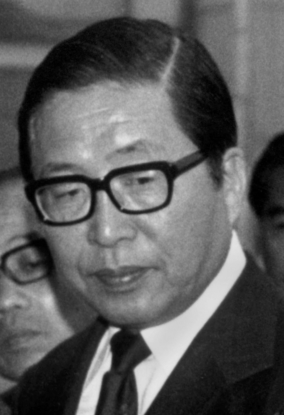 Sosuke Uno 1977