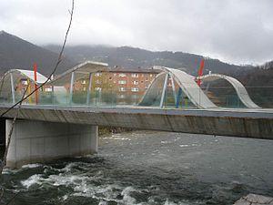 Sotrondio - Image: Sotrondio (San Martín del Rey Aurelio) Río Nalón 3