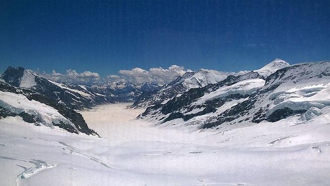 Sphinx Vantage Terrace , Jungfrau.jpg