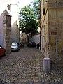 Staré Město, Zlatá 4 a kostel svaté Anny, pohled k Liliové.jpg