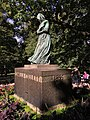 """Statue of Camilla Collett by Gustav Vigeland 1909, in the """"Slottsparken"""" outside the Royal Palace (""""Slottet"""") in Oslo, Norway 2018-09-15 IMG 7794.jpg"""