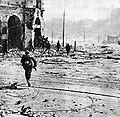 Street fights in in Warsaw Uprising 1944.jpg